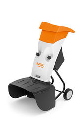 GHE 105 High-performance 2.2 kW electric garden shredder with chipping blade